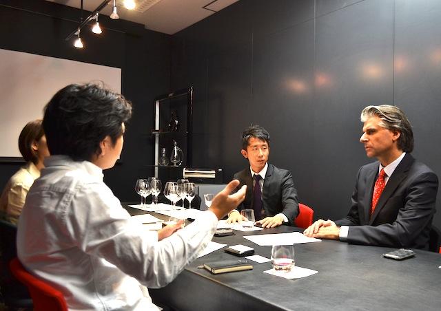 """【企業担当者に聞くSMM最前線】リーデル(RSN JAPAN 株式会社) ウォルフガング J.アンギャル氏・西村 敏雄氏~高エンゲージメント率を誇るFacebookページによる""""効果""""とは?(2/2)"""