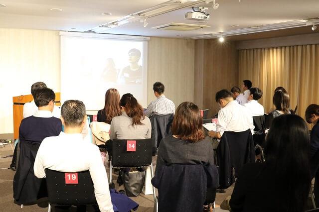当日は、タイでビジネスを手掛ける日系企業の関係者ら約20人がアライドアーキテクツ社のセミナールームに参集
