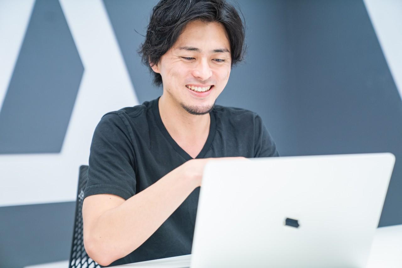 マイクロアド台湾インタビュー記事 村岡氏